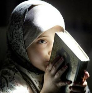 Seorang gadis 10 tahun selamat dari pemerkosaan dengan membaca Al Qur'an